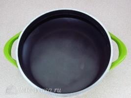 Березовый сок с веточкой смородины на зиму: фото к шагу 3.