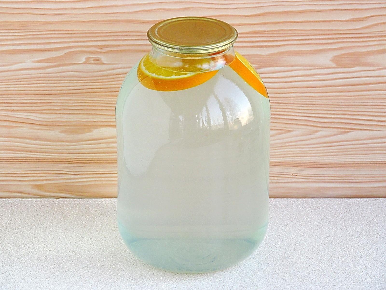 Березовый сок с апельсином на зиму: фото к шагу 5.