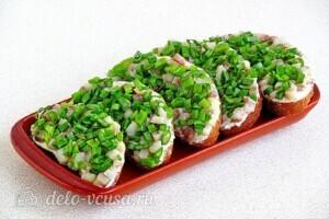 Бутерброды Для вечеринки с сельдью: фото к шагу 10