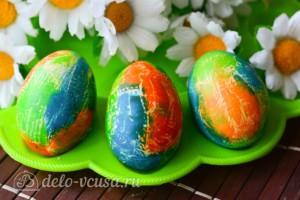 Красим пасхальные яйца с помощью салфеток: фото к шагу 6