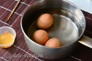 Как покрасить яйца в золотой цвет кандурином: фото к шагу 1