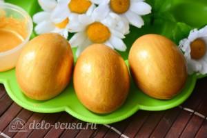 Как покрасить яйца в золотой цвет кандурином: фото к шагу 3