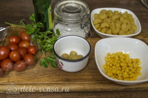 Макароны с оливками, помидорами и кукурузой: Ингредиенты
