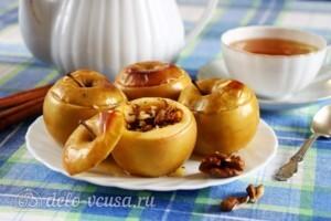 Печеные яблоки с медом и изюмом: фото к шагу 3