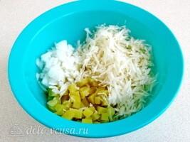 Картофельный салат с черной редькой: фото к шагу 5.