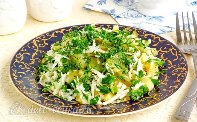Салат из черной редьки с картофелем и соленым огурцом