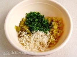 Салат из черной редьки с картофелем и соленым огурцом: фото к шагу 5.
