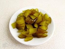 Салат из морской капусты и черной редьки: фото к шагу 1.