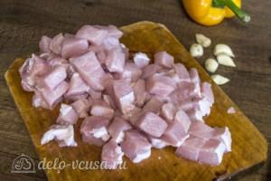 Свинина с грибами и болгарским перцем в горшочках: фото к шагу 3.