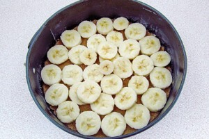 Низкокалорийный йогуртовый торт с бананом и киви: фото к шагу 13.