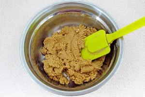 Низкокалорийный йогуртовый торт с бананом и киви: фото к шагу 3.