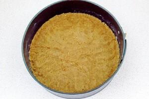 Низкокалорийный йогуртовый торт с бананом и киви: фото к шагу 4.