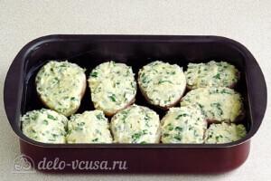 Картофель в духовке с сыром и чесноком: фото к шагу 8.