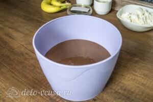 Шоколадные блинчики с творогом и бананом: фото к шагу 2.
