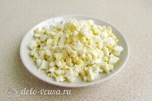 Быстрый салат из сайры с маслинами: фото к шагу 5
