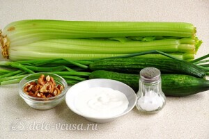 Салат из сельдерея с грецкими орехами: Ингредиенты