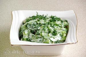 Салат из сельдерея с грецкими орехами: фото к шагу 7.