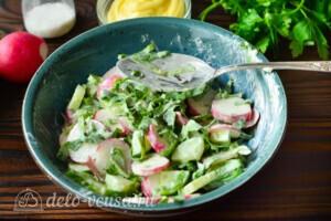 Салат со щавелем, редисом и огурцом: фото к шагу 4
