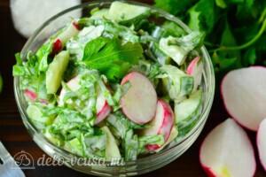 Салат со щавелем, редисом и огурцом: фото к шагу 5