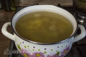 Суп с фрикадельками и нутом: фото к шагу 7.