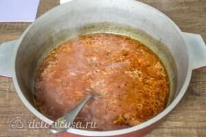 Тефтели из свинины в томатном соусе: фото к шагу 6.