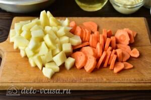 Жаркое из курицы с овощами в мультиварке: фото к шагу 1.