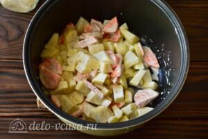 Жаркое из курицы с овощами в мультиварке: фото к шагу 4.