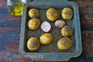 Запеченный молодой картофель со спаржей: фото к шагу 2.