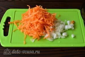 Зеленый борщ с томатной пастой: фото к шагу 3.