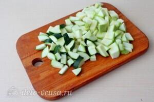 Фрикадельки из индейки в овощном соусе: фото к шагу 1.