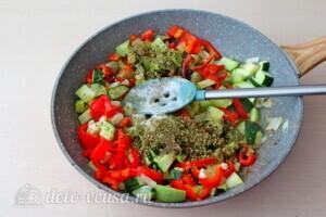 Фрикадельки из индейки в овощном соусе: фото к шагу 6.