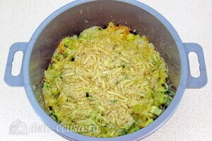 Кабачки с тмином и сыром в микроволновке: фото к шагу 10