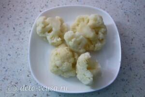 Куриные котлеты с цветной капустой и кукурузой: фото к шагу 3.
