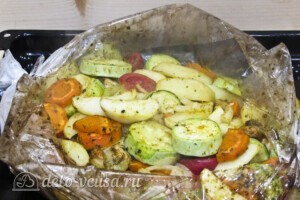 Куриное филе с овощами в рукаве: фото к шагу 12.