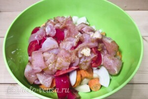 Куриное филе с овощами в рукаве: фото к шагу 7.