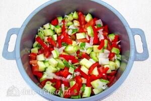 Овощи тушеные в сметане в микроволновке: фото к шагу 5.