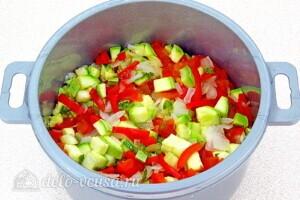 Овощи тушеные в сметане в микроволновке: фото к шагу 7.