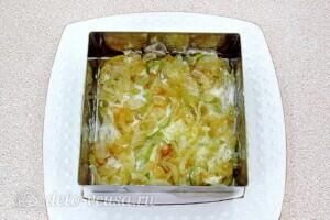 Овощной салат-торт с жареными кабачками: фото к шагу 20.