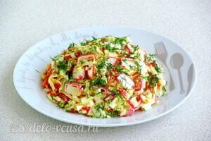 Крабовый салат с морковью и сыром: фото к шагу 11.