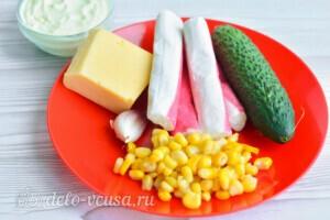 Крабовый салат с огурцом и сыром за 10 минут: Ингредиенты