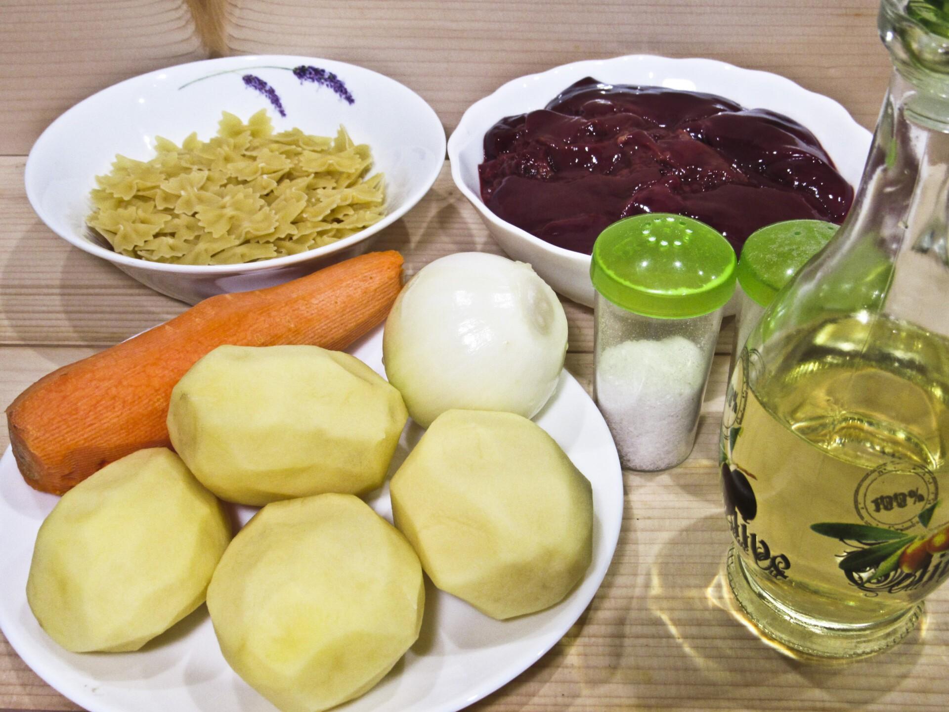 Суп с куриной печенью и вермишелью: Ингредиенты