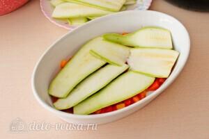Запеканка из кабачков с фаршем и овощами: фото к шагу 7.