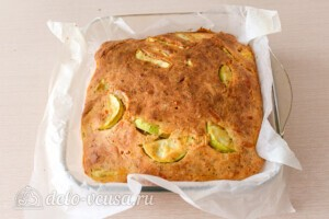 Пирог с кабачками и сыром: фото к шагу 7.