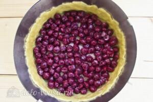 Пирог Блаженство с творогом и вишней: фото к шагу 14