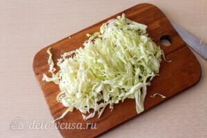 Салат из капусты с тунцом и кукурузой: фото к шагу 1.