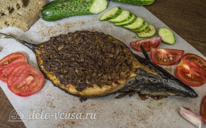 Скумбрия-лодочка с овощами и соусом Песто