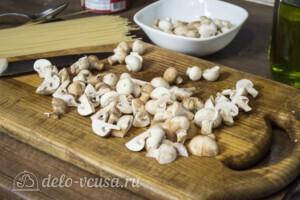 Спагетти с тунцом и грибами за 20 минут: фото к шагу 2.