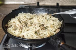 Спагетти с тунцом и грибами за 20 минут: фото к шагу 5.