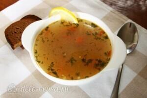 Наваристый рыбный суп с пшеничной крупой: фото к шагу 11.