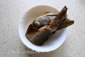 Наваристый рыбный суп с пшеничной крупой: фото к шагу 6.